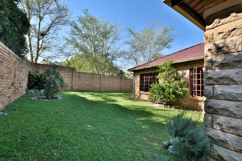 Property For Sale in Craigavon, Sandton 12
