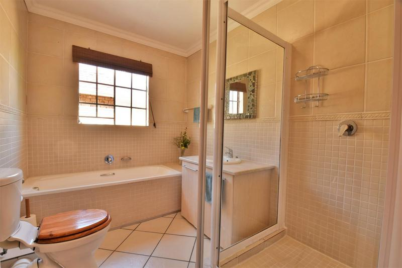 Property For Sale in Craigavon, Sandton 20