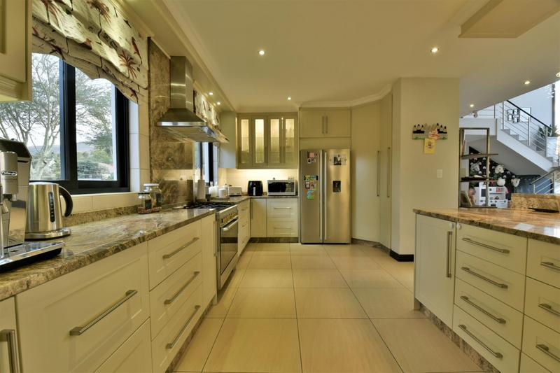 Property For Sale in Homes Haven, Krugersdorp 9