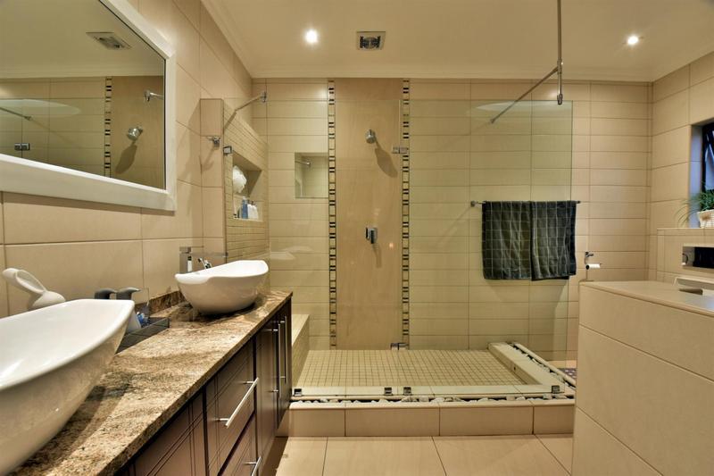 Property For Sale in Homes Haven, Krugersdorp 18
