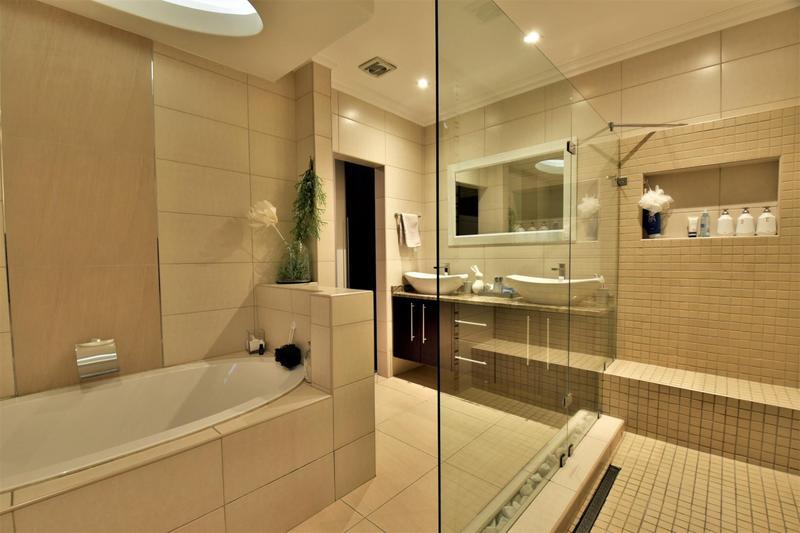 Property For Sale in Homes Haven, Krugersdorp 19