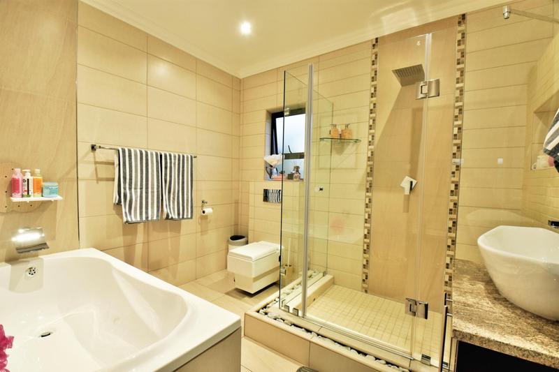 Property For Sale in Homes Haven, Krugersdorp 23