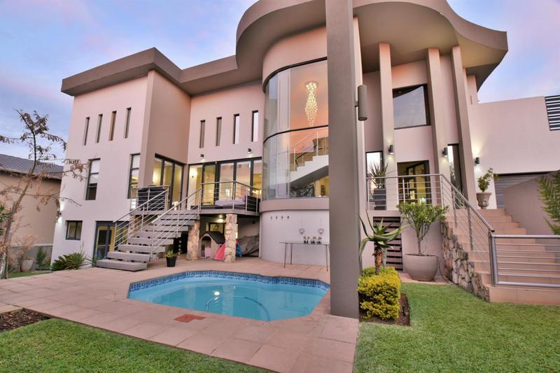 Property For Sale in Homes Haven, Krugersdorp 34