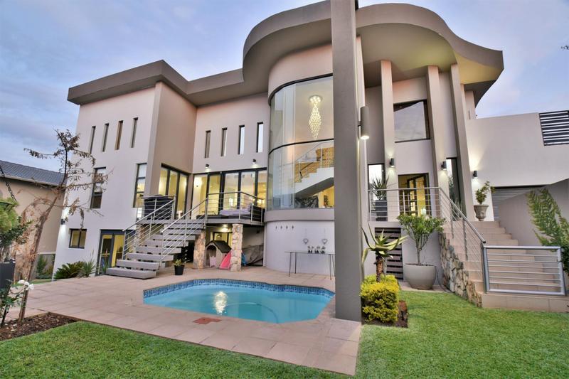 Property For Sale in Homes Haven, Krugersdorp 2