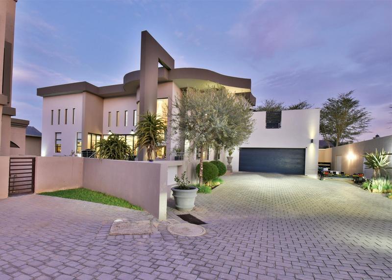 Property For Sale in Homes Haven, Krugersdorp 42