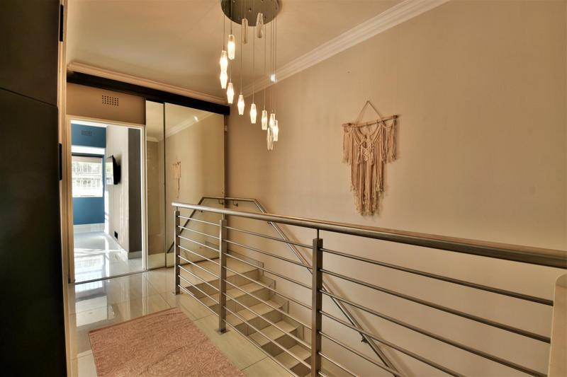 Property For Sale in Glenvista, Johannesburg 19