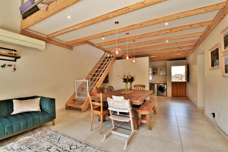 Property For Sale in Fairland, Johannesburg 8