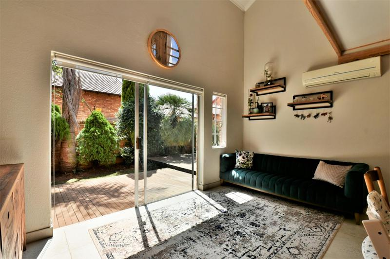 Property For Sale in Fairland, Johannesburg 9