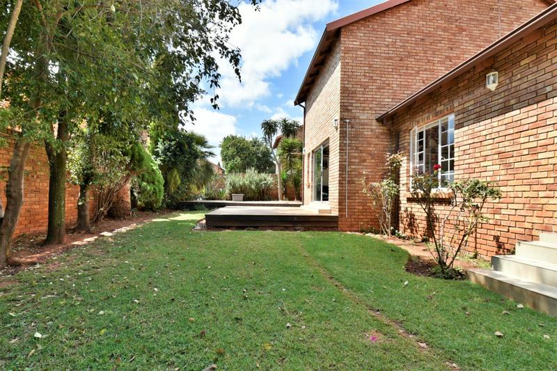 Property For Sale in Fairland, Johannesburg 14