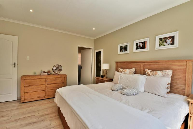 Property For Sale in Fairland, Johannesburg 16