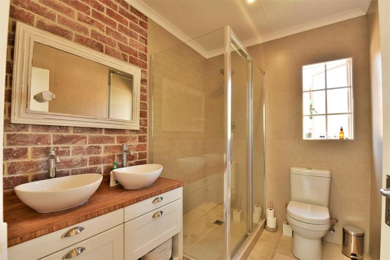 Property For Sale in Fairland, Johannesburg 17