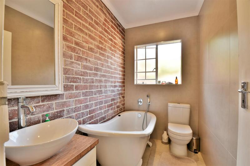 Property For Sale in Fairland, Johannesburg 21