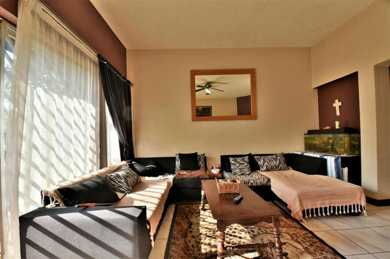 Property For Sale in Suideroord, Johannesburg 6