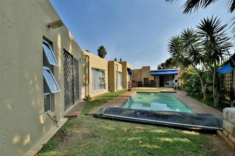 Property For Sale in Suideroord, Johannesburg 18