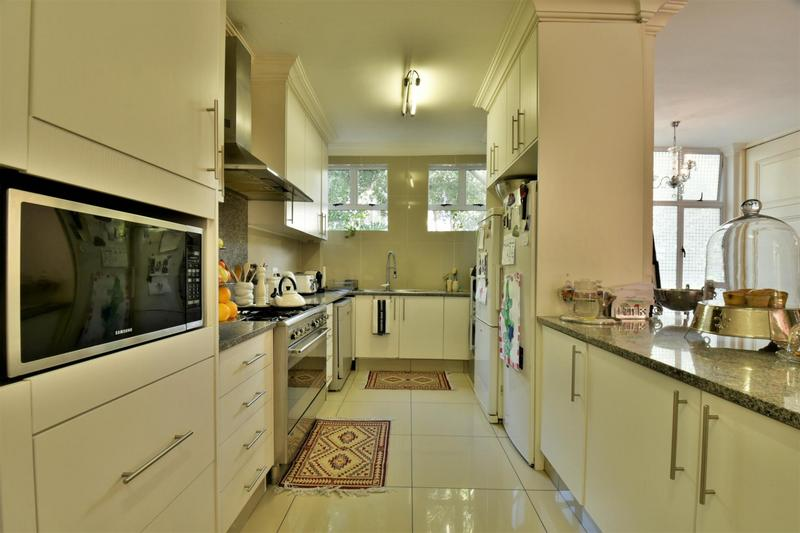 Property For Sale in Craighall, Johannesburg 9