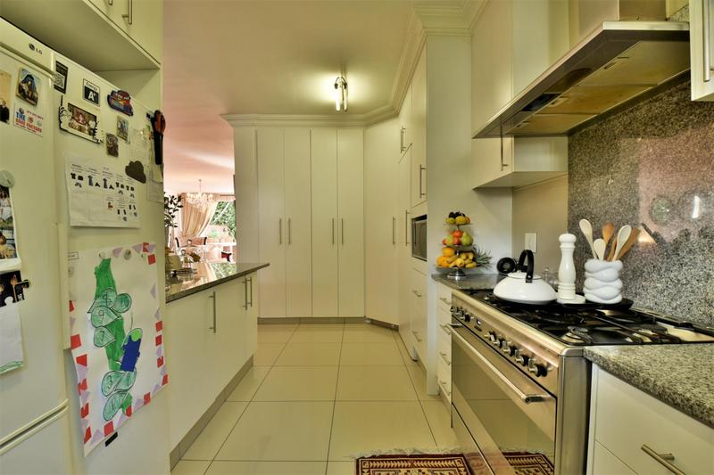 Property For Sale in Craighall, Johannesburg 10