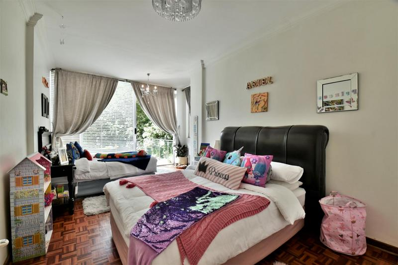 Property For Sale in Craighall, Johannesburg 15