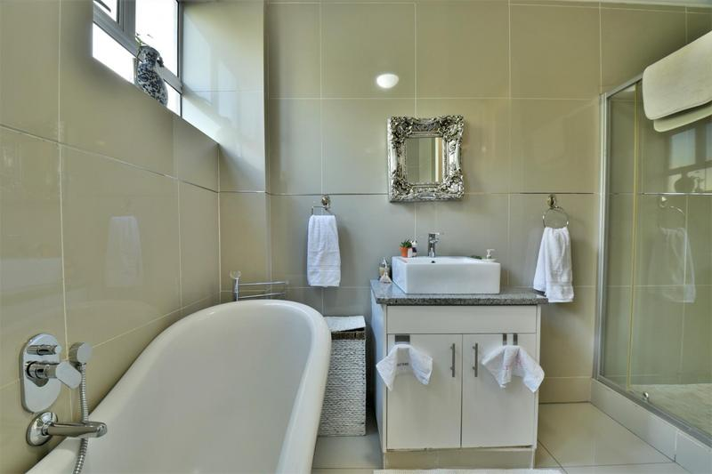 Property For Sale in Craighall, Johannesburg 21