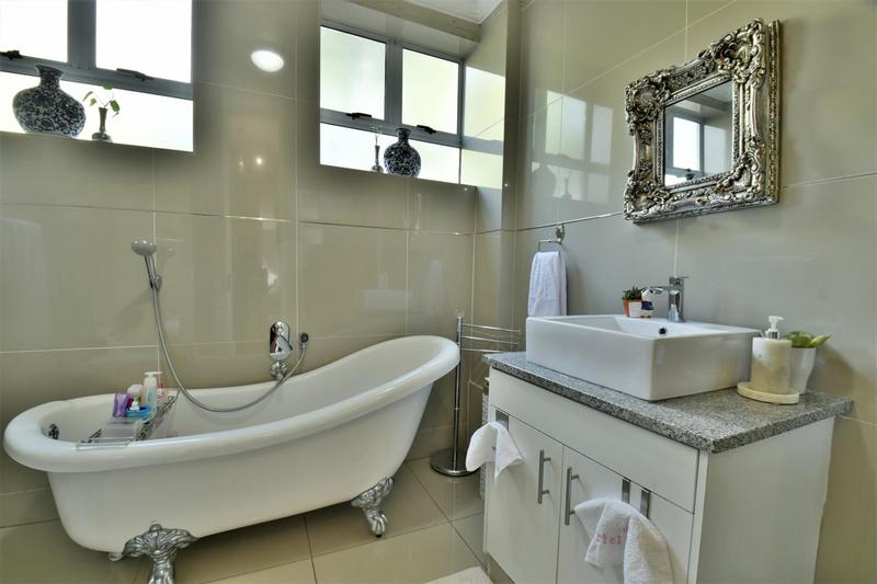 Property For Sale in Craighall, Johannesburg 22