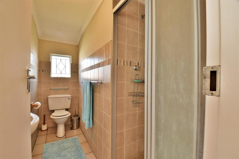 Property For Sale in Mondeor, Johannesburg 15