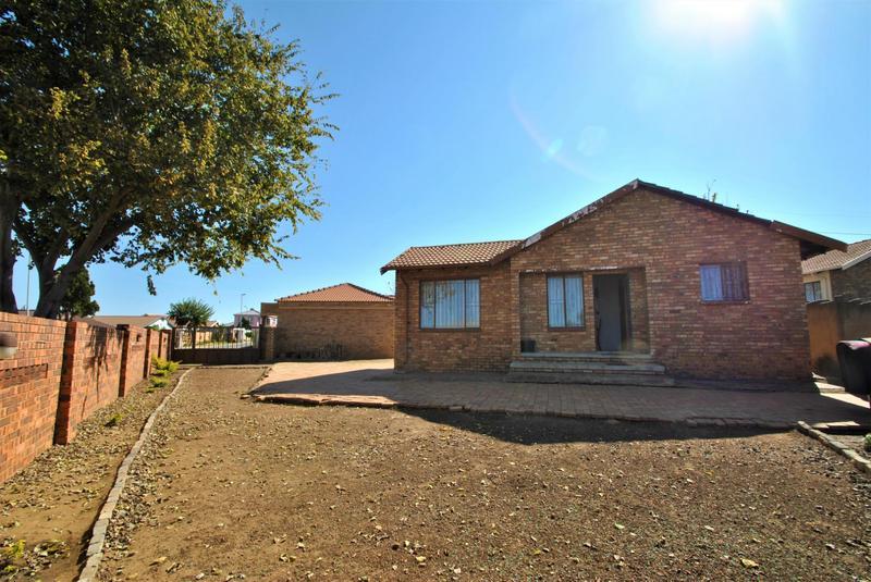 Property For Sale in Naturena, Johannesburg 2