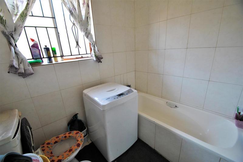 Property For Sale in Naturena, Johannesburg 10