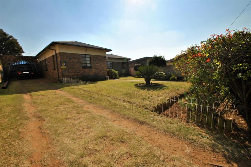Property For Sale in South Hills, Johannesburg 2