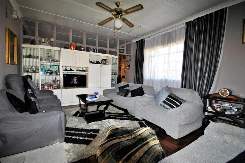 Property For Sale in South Hills, Johannesburg 4