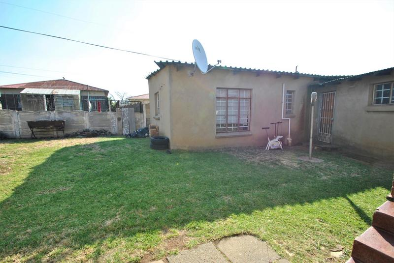 Property For Sale in South Hills, Johannesburg 10