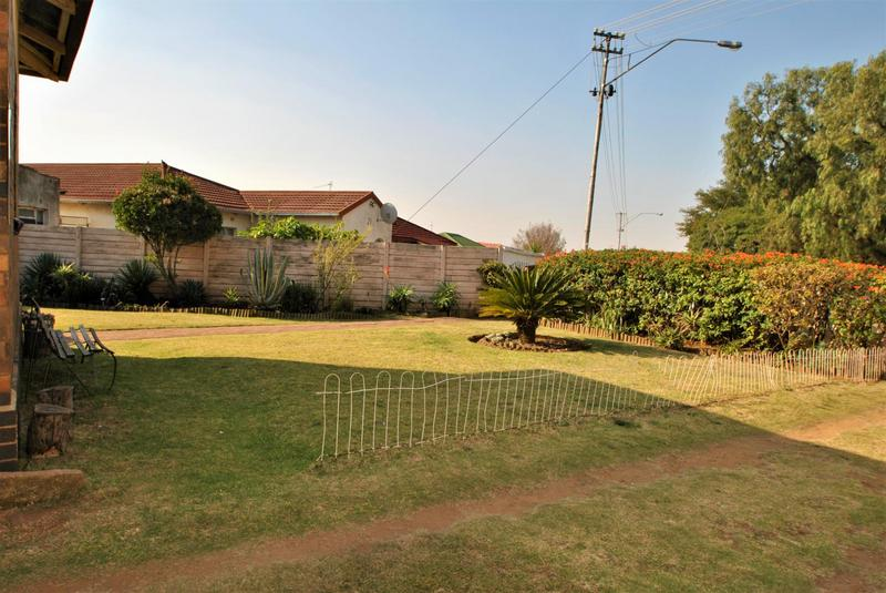 Property For Sale in South Hills, Johannesburg 20