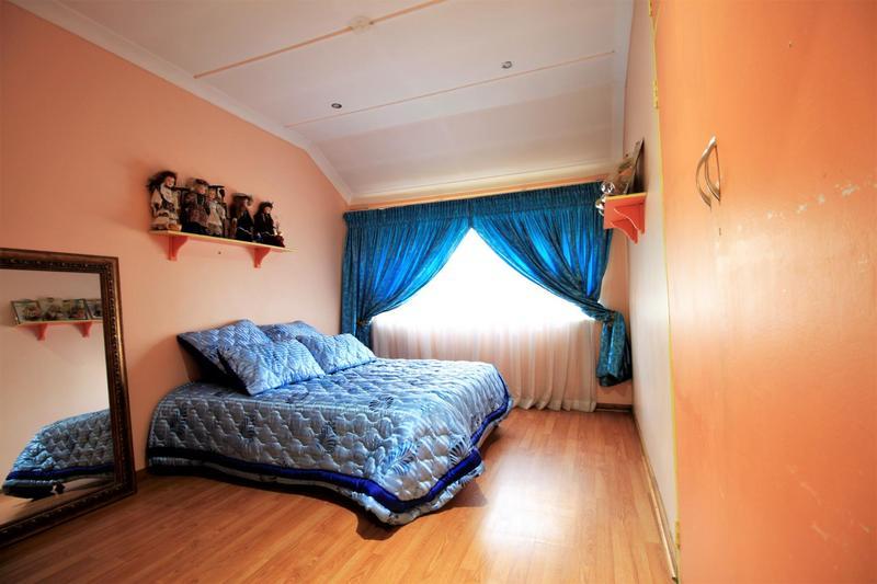 Property For Sale in Risiville, Vereeniging 6