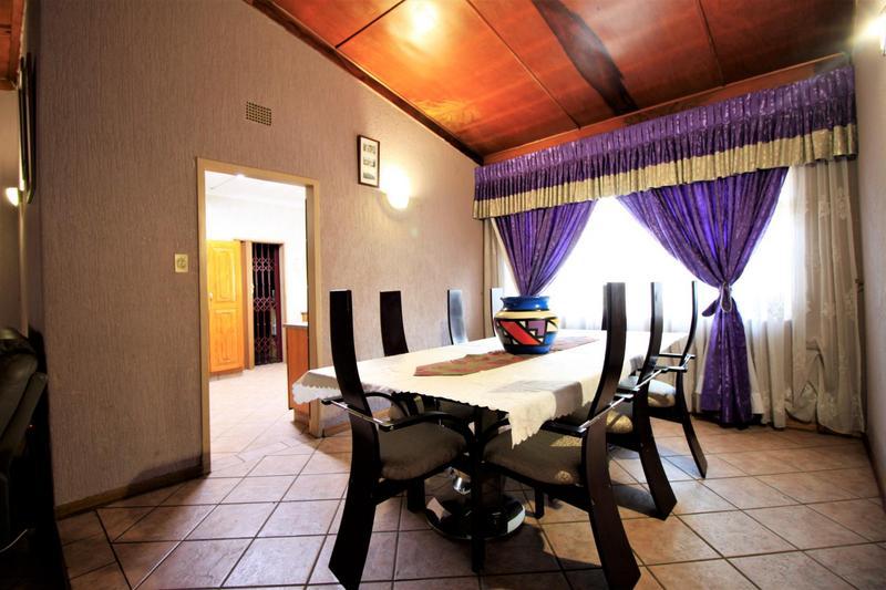 Property For Sale in Risiville, Vereeniging 13