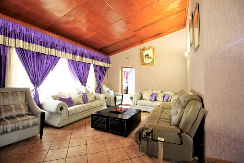 Property For Sale in Risiville, Vereeniging 14