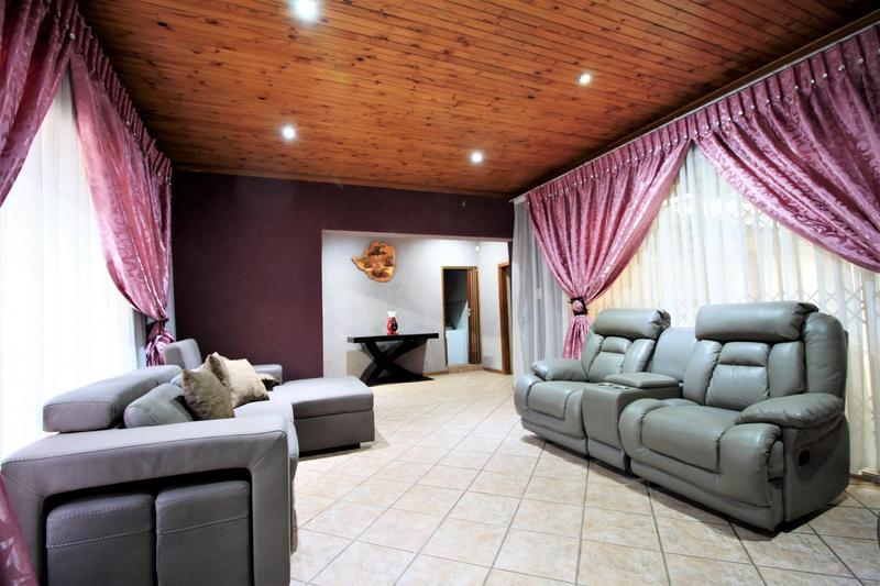 Property For Sale in Risiville, Vereeniging 15