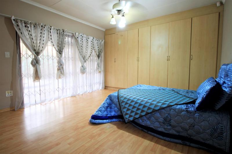 Property For Sale in Risiville, Vereeniging 24