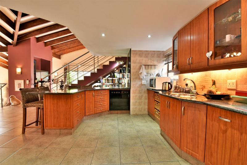 Property For Sale in Glenvista, Johannesburg 15