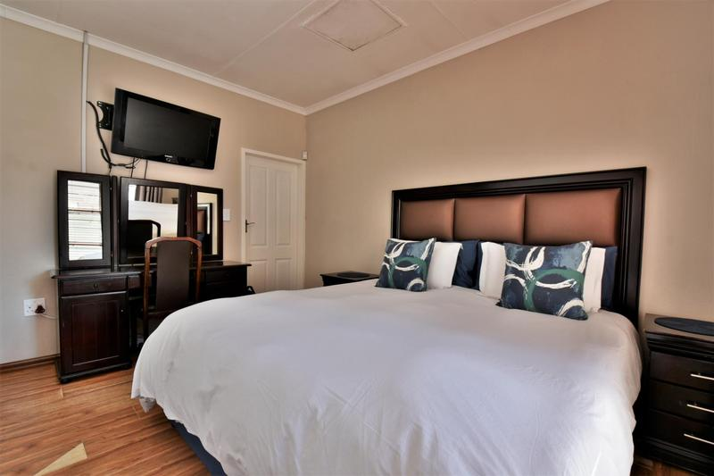 Property For Sale in Strubensvallei, Roodepoort 14