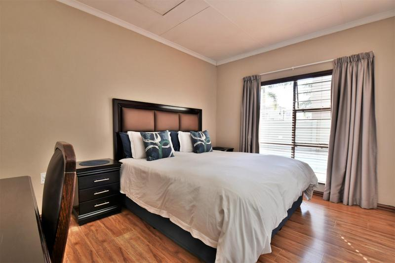 Property For Sale in Strubensvallei, Roodepoort 15