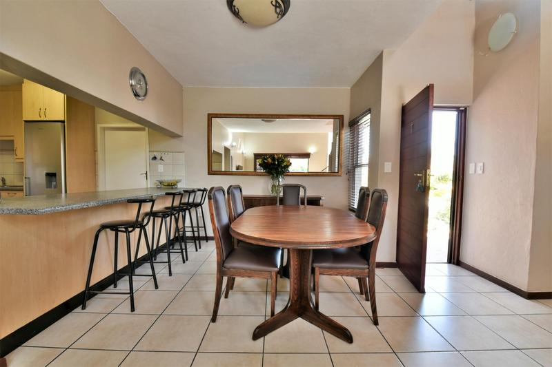 Property For Sale in Strubensvallei, Roodepoort 4