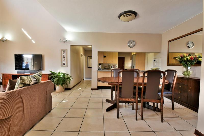 Property For Sale in Strubensvallei, Roodepoort 5