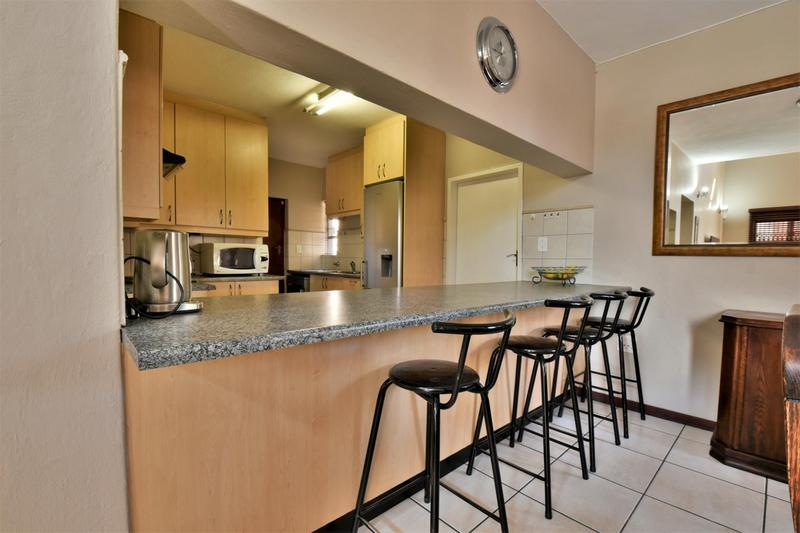 Property For Sale in Strubensvallei, Roodepoort 8