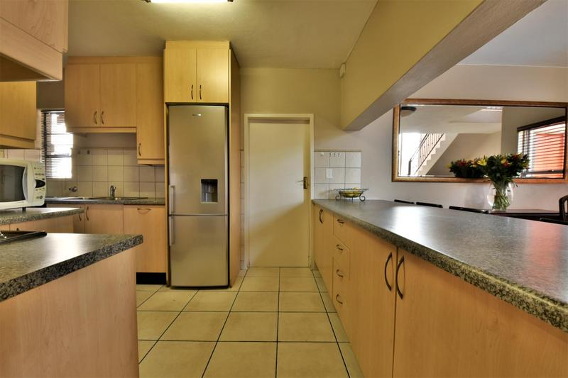 Property For Sale in Strubensvallei, Roodepoort 9