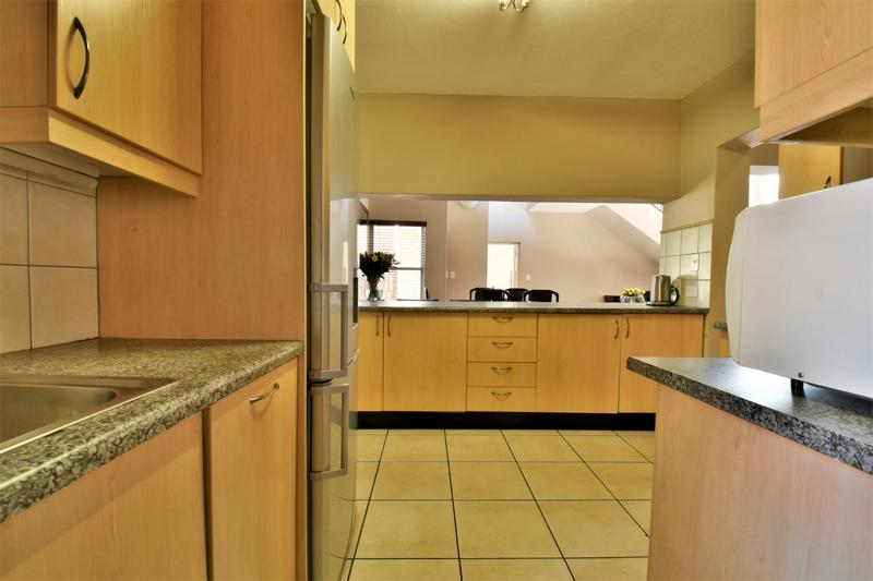 Property For Sale in Strubensvallei, Roodepoort 10