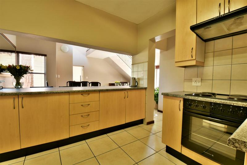 Property For Sale in Strubensvallei, Roodepoort 11