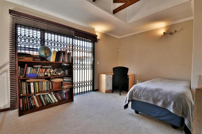 Property For Sale in Strubensvallei, Roodepoort 13