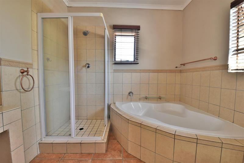 Property For Sale in Strubensvallei, Roodepoort 16