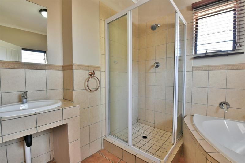 Property For Sale in Strubensvallei, Roodepoort 17
