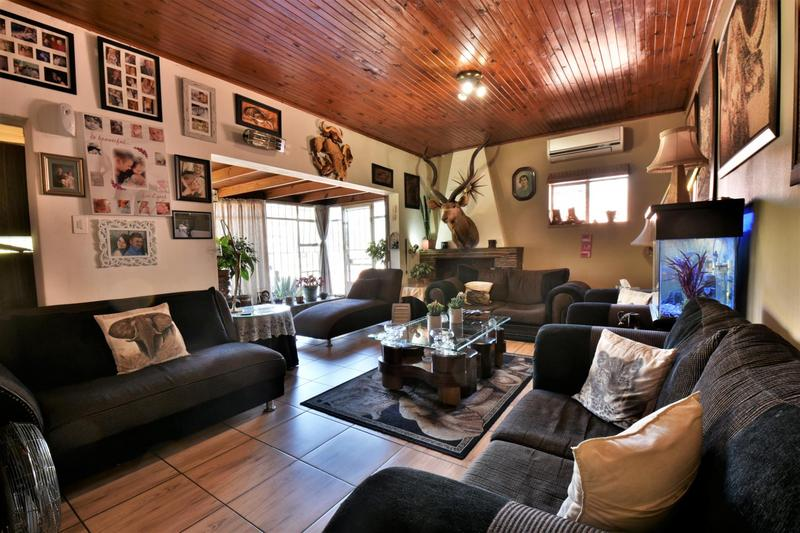 Property For Sale in Linmeyer, Johannesburg 5