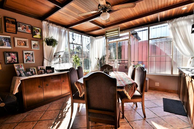 Property For Sale in Linmeyer, Johannesburg 9
