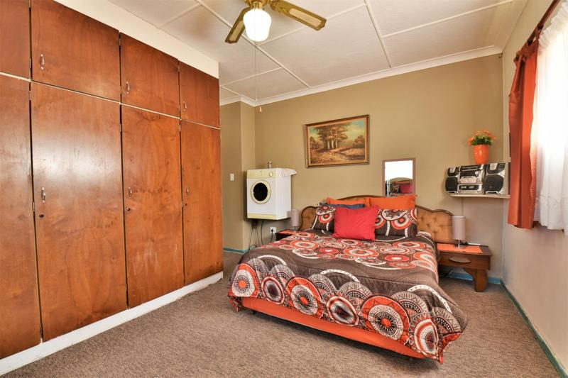 Property For Sale in Linmeyer, Johannesburg 17